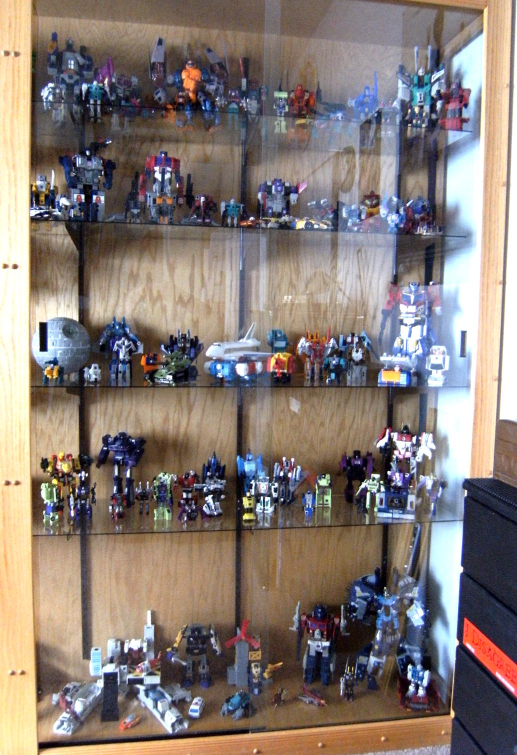 100 comic book shelves comic cave makeover walls comicattack home bookshelves of the - Comic book display shelves ...